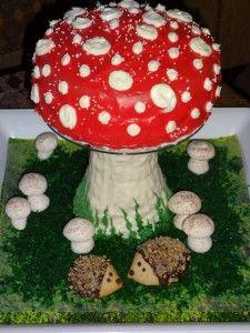 Diy cake stand and cake topper Mushroom Cake and Hedgehogs Mushroom Cupcakes, Mushroom Cake, Hedgehog Cookies, Hedgehog Cake, Kids Animal Party, Baby Birthday, Birthday Parties, Food Kids, Cake Board