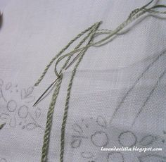 Lavanda e Lillà: ALFABETO CON ROSELLINE come ricamare la lettera