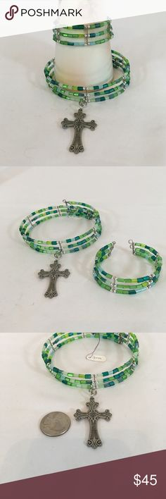 Green Glass & Celtic Cross Set Green glass beads & memory wire make up this 2 piece necklace/bracelet set. Finished with Celtic cross. Handmade by me. 🚫No trades🚫 ps-creations Jewelry