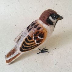 #needlefelted #sparrow 🐦    #needlefelting #needlefeltingsculpture #felting #feltsculpture #feltart #feltartist #fiberart #wool #softsculpture #smallsculpture #bird #natureinspired #handcraft #lintu #varpunen #huovutus #neulahuovutus #villa #käsityö #revonvilla #käsitöö #luonto #metsänasukit