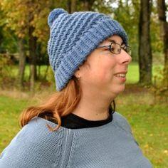 Bonnet en laine et duvet de Yack couleur bleu ciel tricoté main