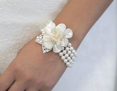 2014 white petal wedding bracelet, wide pearl-made bracelet.