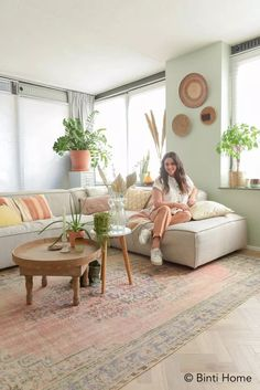 Scandi Living Room, Living Room Colors, Home Living Room, Living Room Designs, Marie Kondo Style, Home Alone, New Home Designs, Cozy Bedroom, Scandinavian Interior