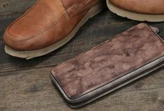 Cool leather mens long wallet vintage zipper long clutch wallet for me Card Wallet, Clutch Wallet, Vintage Leather, Leather Men, Best Leather Wallet, Leather Notebook, Long Wallet, Notebooks, Card Holder