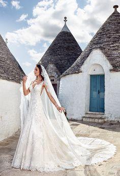 Prinzessinnen Brautkleid mit Schleier und langer Schleppe, V Ausschnitt und Trägern