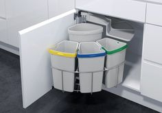 Lovin this Recycling Station. Vauth Sagel by Fulterer Eco Center Ultimate Recycling Station for-the-home Kitchen Organization, Kitchen Storage, Storage Organization, Recycling Station, Recycling Bins, Recycling Center, Garbage Recycling, Cabinet Space, Under Sink
