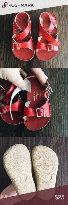Toddler Size 6 Saltwaters Excellent used condition size 6 saltwater sun-sans. My favorite shoe for children, can be dressed up or down  Salt Water Sandals by Hoy Shoes Sandals & Flip Flops