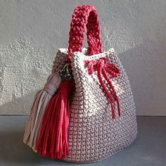 Bobble Stitch Handbag Crochet Pattern with Video TutorialRolled fabric flower - how to make a fabric rosetteThis Pin was discovered by Ele Crochet Backpack, Bag Crochet, Crochet Clutch, Crochet Handbags, Crochet Purses, Crochet Crafts, Crochet Stitches, Crochet Baby, Crochet Projects