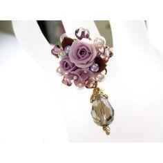 ☆きれいな樹脂薔薇ブーケとスワロパール・キラキラのスワロフスキーで可愛いリングを作成しました。(*^_^*)☆使用素材:樹脂薔薇ブーケ(樹脂粘土)      ...|ハンドメイド、手作り、手仕事品の通販・販売・購入ならCreema。