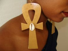 Ankh Earrings In Gold With Cowrie S
