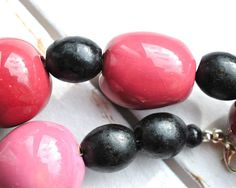 Dark Pink Necklace - Pink and Black Kazur Necklace - Black and Pink Chunky Necklace - Large Bead Statement Necklace - Fuchsia Pink thecoastaldesert the coastal desert handmade jewelry jewellery African kazuri upcycled recycled