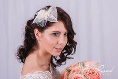 """Haarschmuck Braut ,,Princess 5A""""  *Diese wunderschöne Kollektion haben wir für dich gemacht, du als Braut wirst wunderschön und edel aussehen und dieses Jahr sind aufwendige Frisuren voll im..."""