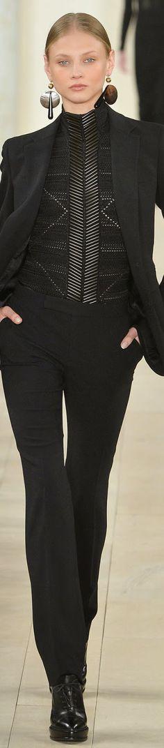 Ralph Lauren Fall 2015 Ready-to-Wear Fashion Show - Anna Selezneva Fashion Week, Look Fashion, Runway Fashion, High Fashion, Fashion Show, Autumn Fashion, Fashion Design, Fashion Trends, Ralph Lauren Style