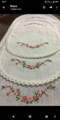Filet Crochet, Baby Knitting Patterns, Cross Stitch Embroidery, Shabby Chic, Handmade, Cross Stitch Art, Farmhouse Rugs, Scrappy Quilts, Cross Stitch Designs