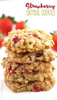 Chewy delicious oatmeal cookies that are made with fresh summer strawberries. A delicious cookie recipe that's #vegan and #glutenfree! @ThePrettyBee