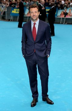 Jason Sudeikis at the London premiere of 'We Are the Millers.' Styling by Erin Walsh. Erin Walsh, Dark Haired Men, Jason Sudeikis, Celebrity Red Carpet, Classic Man, Red Carpet Fashion, Man Crush, Mens Suits, Hot Guys
