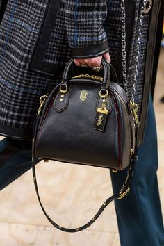 See all the Details photos from Coach 1941 Autumn/Winter 2019 Ready-To-Wear now on British Vogue Popular Handbags, Cheap Handbags, Cheap Bags, Hobo Handbags, Cross Body Handbags, Purses And Handbags, Leather Handbags, Cheap Purses, Prada Handbags