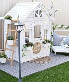 Building your little one a playhouse in the backyard will surely make them happy. There are a few things you should know before you build a playhouse for kids. This article will Kids Cubby Houses, Kids Cubbies, Play Houses, Dog Houses, Build A Playhouse, Playhouse Outdoor, Outdoor Sheds, Outdoor Play, Playhouse Ideas