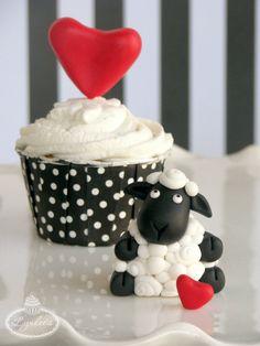 I Love Ewe: Valentine Fondant Tutorial - Lynlee's