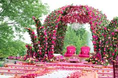 Weddings are a celebratory occasion which brings together two families. Confused whether to decorate your wedding mandap using florals or lights? We have curated a list with some awe-inspiring Wedding Mandap decor inspirations we know you'll love. Wedding Ceremony Ideas, Indian Wedding Receptions, Desi Wedding Decor, Wedding Hall Decorations, Marriage Decoration, Wedding Mandap, Wedding Colors, Peach Wedding Invitations, Indian Wedding Photography