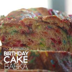 Make and share this Birthday Cake Babka recipe from Genius Kitchen. Babka Cake, Babka Bread, Desserts For A Crowd, Fun Desserts, Delicious Desserts, Rainbow Bread, Babka Recipe, Food Obsession, Desert Recipes