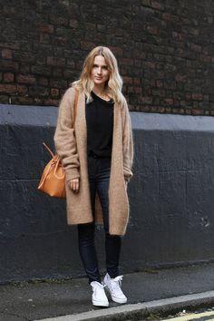 O este ~outfit~ que demuestra que no tenemos que sacrificar el estilo por la comodidad: | 22 Looks minimalistas que todas deberíamos copiar