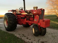1256 Keneth  easley il 1970s pulling tractor.
