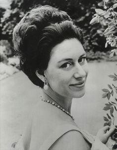 Princess Margaret, Princess Of Wales, 1960s Hair, Fidel Castro, Duke Of Cambridge, Vintage Photographs, Up Hairstyles, Diana, Black And White