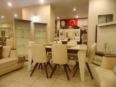 Türkmenoğlu Alışveriş Merkezi. Cumhuriyet Caddesi No:77 Van