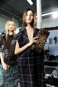 dries van noten - everything Fashion Week 2015, Fashion Show, Paris Fashion, Plaid And Leopard, Models Backstage, Leopard Clutch, Short Wavy Hair, French Fashion Designers, Winter Trends