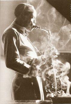 vodkaunicornslincolnlogs:  Sonny Stitt (1953)