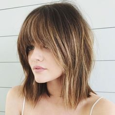 Trust us when we say it is totally possible to rock seriously stylish, trendy, next-level bangs. We've even rounded up 21 of our favorite celebrity bangs for proof—because we all know celeb 'dos are arguably the best hair inspo out there. Bangs With Medium Hair, Medium Hair Cuts, Medium Hair Styles, Short Hair Cuts, Short Hair Styles, Medium Hairstyles With Bangs, Medium Textured Hair, Long Bangs, Blond Pony