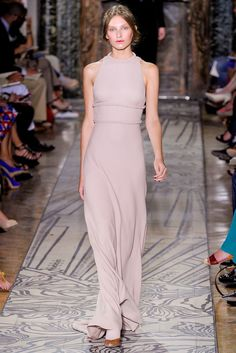 Valentino Fall 2011 Couture Fashion Show - Kelsey Van Mook