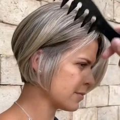 Really Short Hair, How To Curl Short Hair, Short Wavy Hair, Short Hair With Layers, Short Hair Styles, Short Stacked Hair, Bob Hairstyles For Fine Hair, Short Bob Haircuts, Hair Color Techniques