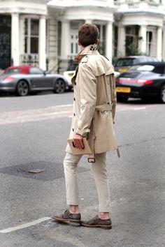 If I was a skinny Parisian, I'd probably rock this trench just like this. Too bad I'm Filipino...