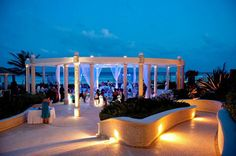 Cancun Wedding Packages.  A guide to resort destination wedding packages in Cancun, Mexico