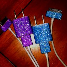 I seriously need to glitterfy my charger with bold, solid colors. ♥