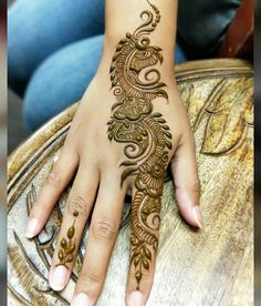 Mehndi design makes hand beautiful and fabulous. Here, you will see awesome and Simple Mehndi Designs For Hands. Simple Arabic Mehndi Designs, Mehndi Designs Book, Full Hand Mehndi Designs, Mehndi Designs 2018, Mehndi Designs For Beginners, Mehndi Design Pictures, Mehndi Designs For Girls, Mehndi Designs For Fingers, Dulhan Mehndi Designs