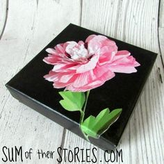 Upgrade your gift giving and recycle your old gift boxes with one simple craft. Transform old gift boxes into museum-worthy pieces with this tutorial. Recycled Paper Crafts, Craft Stash, Cool Notebooks, Sewing A Button, Boho, Cute Gifts, Easy Crafts, Christmas Crafts, Gift Boxes