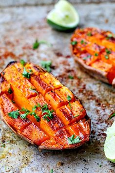 Chili + Honey Roasted Sweet Potatoes With Lime Juice Honeyed and savory roasted sweet potatoes make for a perfect side or a pre-workout snack to fuel you up. - Chili + Honey Roasted Sweet Potatoes With Lime Juice Veggie Recipes, Whole Food Recipes, Cooking Recipes, Drink Recipes, Cooking Icon, Crockpot Recipes, Sweet Potato Recipes Healthy, Cooking Classes, Thyme Recipes
