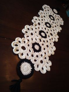 camino de mesa crochet...