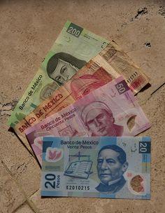 Una Peso mexicano es equivalente a 7,6 centavos de dólar, a 100 pesos es equivalente a 7.57 en los Estados Unidos