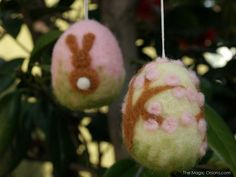 Needle Felted Easter Eggs : www.theMagicOnions.com