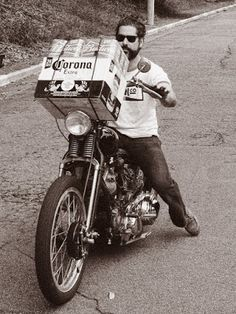 The Biker Lifestyle Jesse James Biker, Scrambler Motorcycle, Motorcycle Humor, Motorcycle Seats, Bike Magazine, Old School Chopper, Old School Vans, Vintage Biker, Chopper Bike
