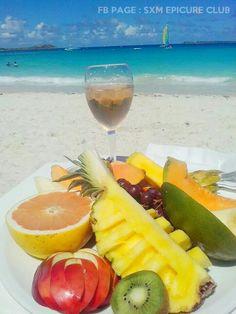 Fruit plate at Kakao Beach in Orient Bay  #sxm #saintmartin #orientbay #epicureclubsxm #foodporn
