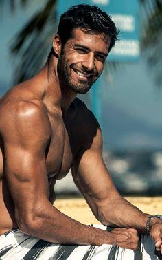Beto Malfacini http://easygoingfuture.tumblr.com/