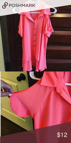High low coral button down with shoulder sleeves! Super cute! Worn once! Has gold buttons and is in great condition! Looks great with everything 👍🏼 Forever 21 Tops Button Down Shirts