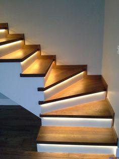 neon light interior decoration neon flex Modern Staircase de… – World of Light Staircase Lighting Ideas, Stairway Lighting, Home Stairs Design, Interior Design Living Room, Interior Decorating, Stairway Decorating, House Staircase, Modern Stairs, Neon Lighting
