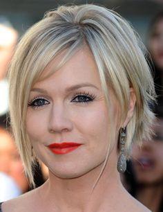 Coupe de cheveux femmes modèles courts blonds cheveux-court-2012 (5