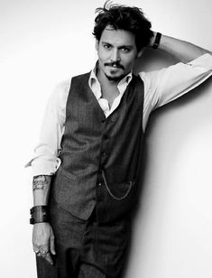 Johnny Depp -- such an incredible-looking man..